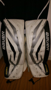 Bauer total one goalie pad set