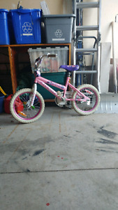 Girls bike with helmut