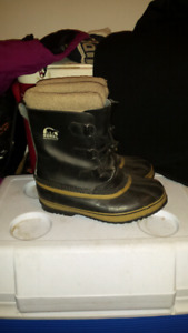 Sorel leather boots (size 6)