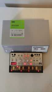 Korg Volca Bass with manual and box