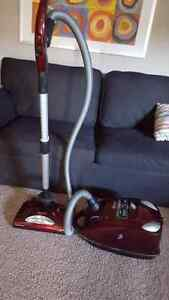 shark vacuum like new must go