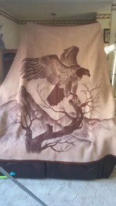Very soft/ thick eagle blanket