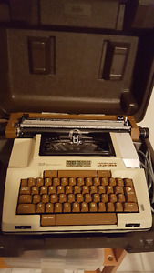 Smith-Corona Coronamatic 2200 electric typewriter, circa 1980's