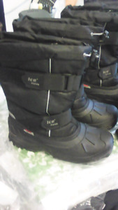 3 pairs winter boots 1 ankle size 10,2 high calf MENS size 10,11