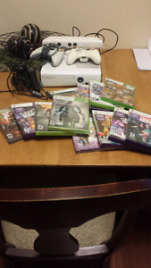 White Xbox 360 with Kinect