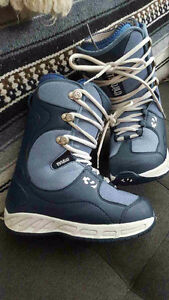 size 8 Womens 32 snowboard boots