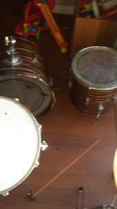 Drum set. $100 lots of parts, 2 double foot pedal extra skins