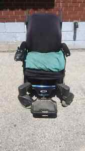 Electric wheelchair/scooter