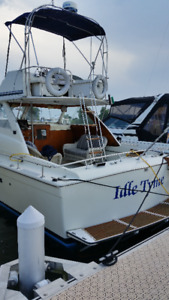 35' CHRIS CRAFT COMMANDER