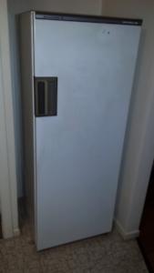 336 l Kelvinator Fridge Freezer