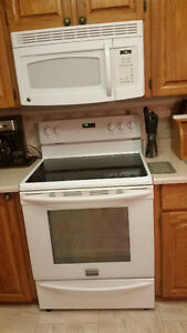 "30'""FRIGIDARE ELECTRIC RANGE AND MICROWAVE"