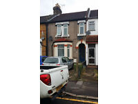 2 BED HOUSE CONVERSION FLAT: THOROLD RD ILFORD IG1 4EU - NO DSS TENANT CALLING
