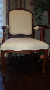 Elegant Classic Bergere Accent Chair