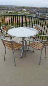 Beautiful aluminium-glass Patio table with 4 chairs