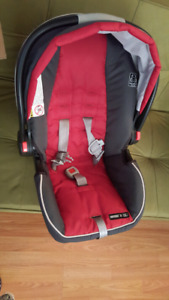 Baby items in excellent condition