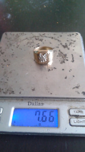 $280 10K GOLD RING EAGLE IS WHITE GOLD
