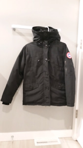 Canada Goose Women's Jacket. Size small.