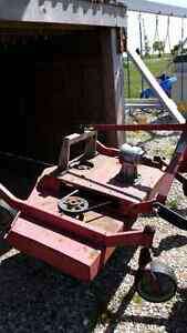 Three point hitch 60 in finish mower