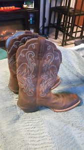 Size 7 authentic Ariat boots