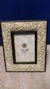 """Traditional picture frames 3.5x5"""" Windsor Region Ontario image 4"""