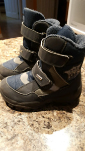 Ciciban winter boots (-40), excellent condition. Made in Italy.
