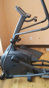 Elliptique trainer vision Fitness X6150