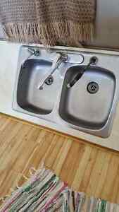 DOUBLE SIDED SINK