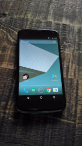 Cellulaire LG Nexus 4 cell phone 4,7''