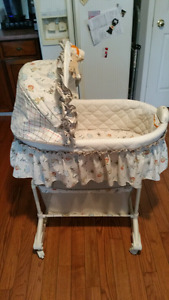 Bassinet  $10 St thomas