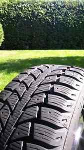 4 pneus uniroyal tiger paw d'hiver à vendre 300$ FERME