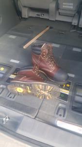 9.5 Dakota work boots 150 o.b.o.