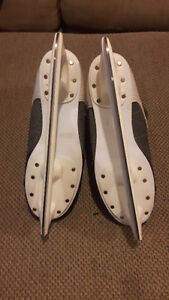 Mens CCM Intruder 55 hockey skates size 10 London Ontario image 3