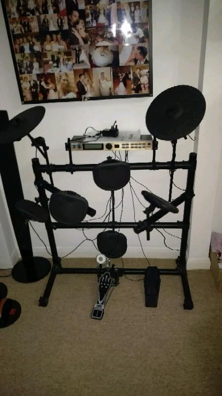 45ceab08ed75 Alesis dm5 electroinic drum kit