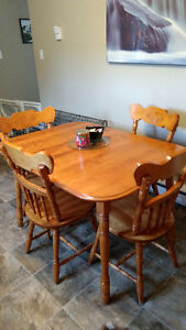 Solid oak kitchen table set hutch and buffet
