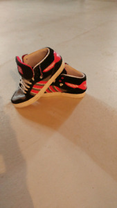 Adidas souliers