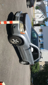 2006 PONTIAC TORRENT FOR SALE AS IS- $2000 OR BEST OFFER.