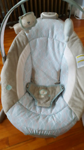 Bouncy chair with music (Graco)