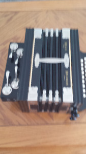 Regal Melodeon made in Germany (Antique)