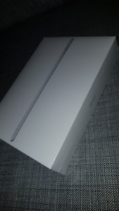 BRAND NEW 2018 iPad 32GB WiFi Silver