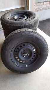 Michelin Xi 2 snow tires and rims 235/70/16