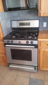 GE Spectra XL44 Stainless Steel Gas Stove and Oven