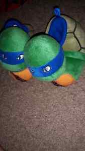 brand new condition ninja turtle slippers size 5/6 toddler