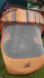 Infant Car Seat - Primo Viaggio 4-35 - Two Bases and Extras Kitchener / Waterloo Kitchener Area image 4