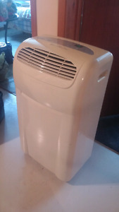 Dehumidifier/ Air conditioner