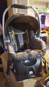 Baby Trend Infant Car Seat and In Car Base