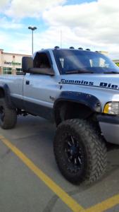 2001 Dodge Power Ram 2500 5.9L Alberta truck NO RUST!