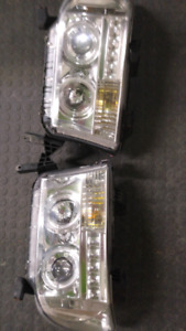 Toyota tundra led halo head lights