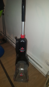 Aspirateur Bissell compact
