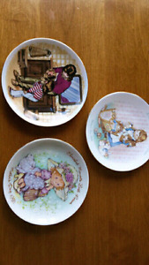 Vintage Avon Collectable Dishes