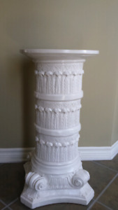 Grosse colonne decorative style grecque / romain